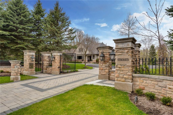 1441 Lakeshore Road E, Oakville