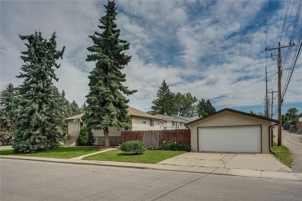 3308 2 ST NE, Calgary