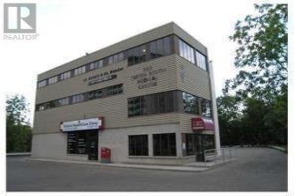585 QUEEN Street S, Kitchener