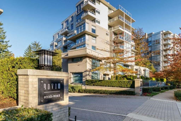 605 9262 UNIVERSITY CRESCENT, Burnaby