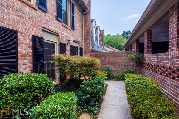 372 The Chace, Sandy Springs