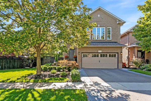 2439 Valley Heights Crescent, Oakville