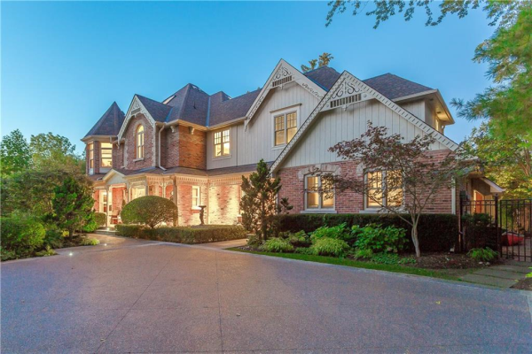 333 Chartwell Road, Oakville
