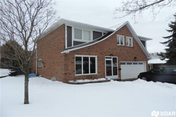 232 BROWNING Trail, Barrie