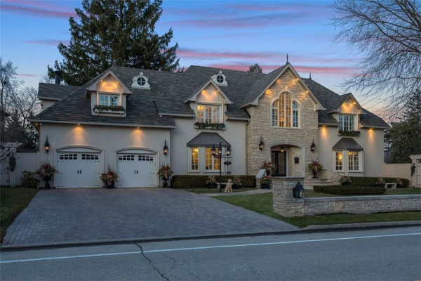 1325 Indian Grove, Mississauga