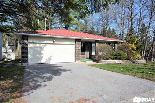203 BROWNING Trail, Barrie