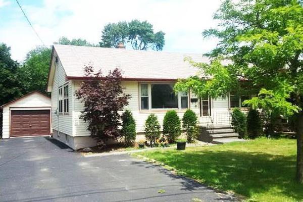 257 Maurice Drive, Oakville