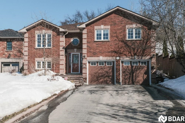 36 DOVE Crescent, Barrie