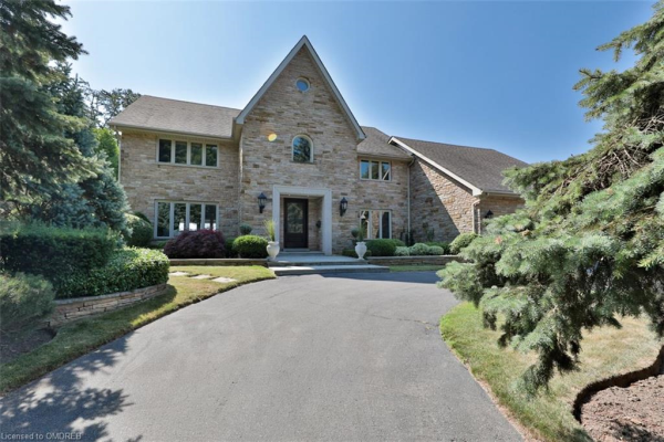 2276 Chancery Lane, Oakville