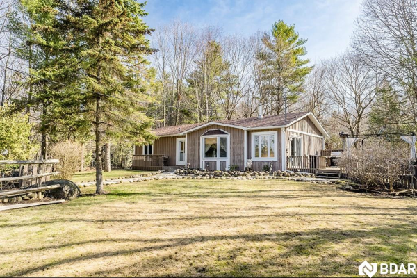 3923 30 Side Road, Innisfil