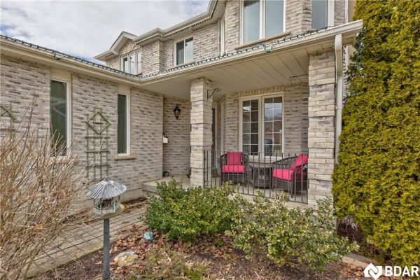 2 GRACE Crescent, Barrie