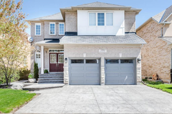 2492 WHISTLING SPRINGS Crescent, Oakville