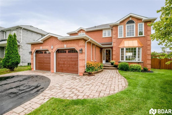 2 WHISPERING PINE Place, Barrie