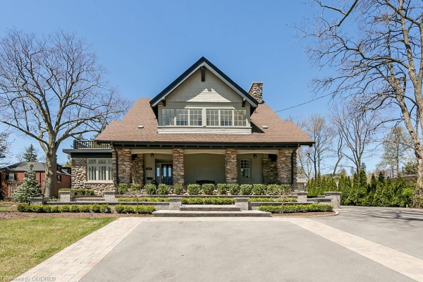 3077 Lakeshore Road, Burlington