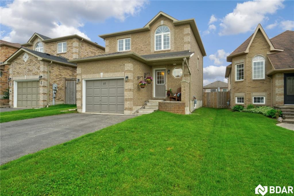 15 CLAIRE Drive, Barrie
