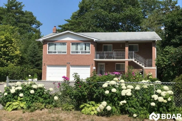 1307 RIVER RD E Road, Wasaga Beach