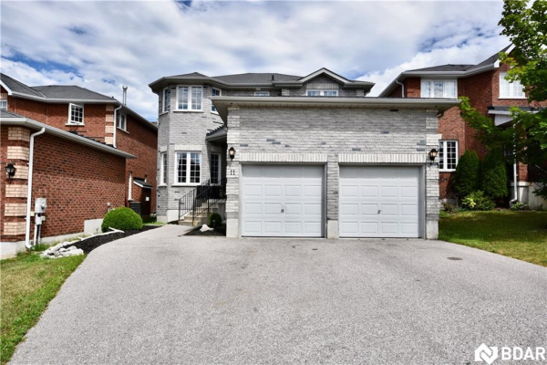11 SILVER Trail, Barrie