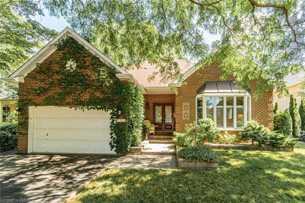 2385 Deer Run Avenue, Oakville