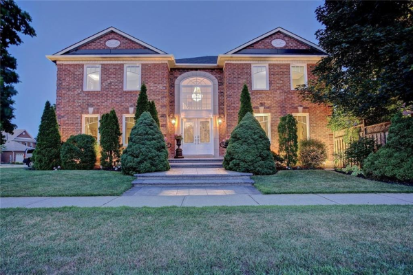 2158 Pineview Drive, Oakville