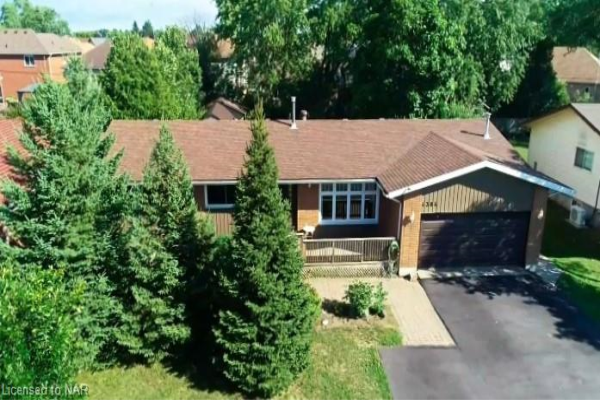 4384 LYONS CREEK Road, Niagara Falls