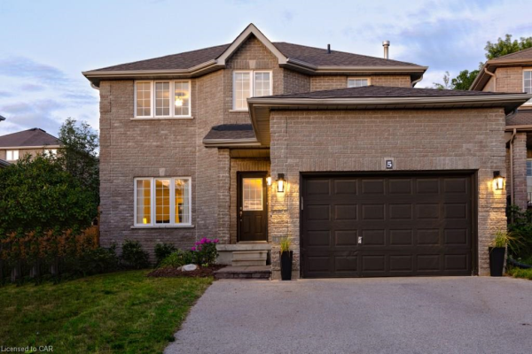 5 Silver Trail, Barrie