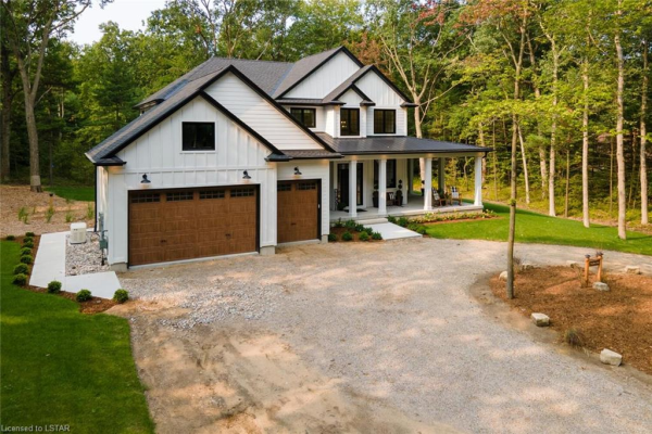 10195 RED PINE Road, Grand Bend