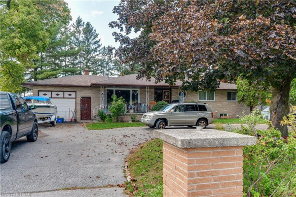 16 BEACON Road, Barrie