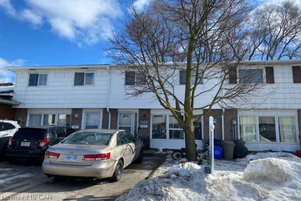 748 PARKVIEW Crescent, Cambridge