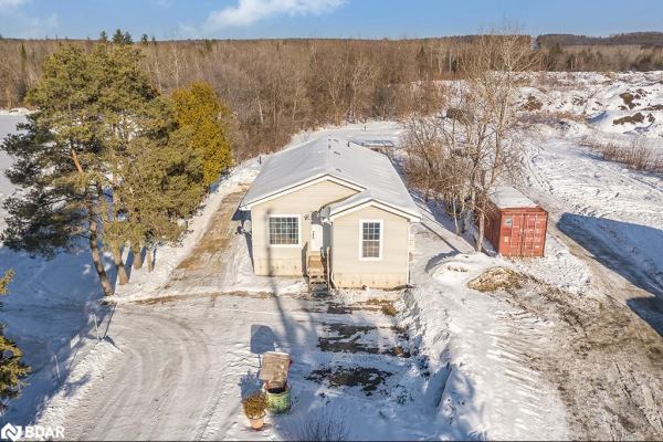 722 COUNTY ROAD 90, Springwater