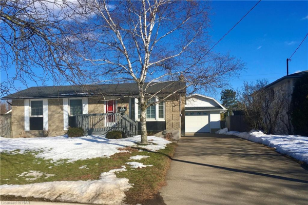84 MEREDITH Drive, St. Catharines