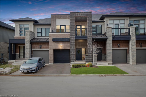 371 ATHABASCA Common, Oakville