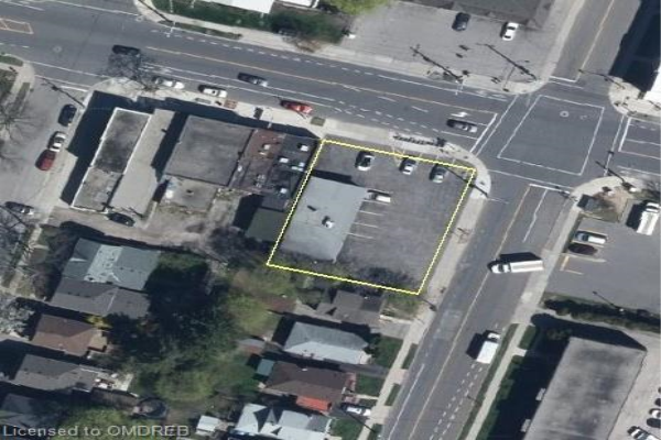 881 KING Street W, Hamilton