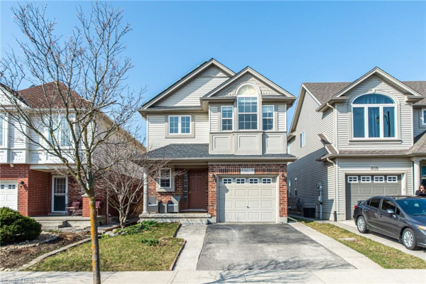 807 GRAND BANKS Drive, Waterloo