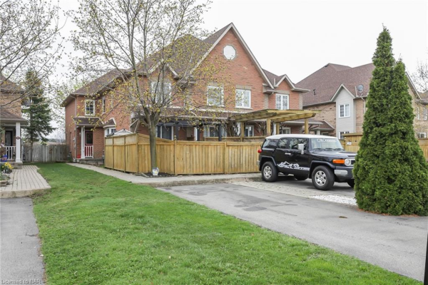 14 BROWN Drive, St. Catharines