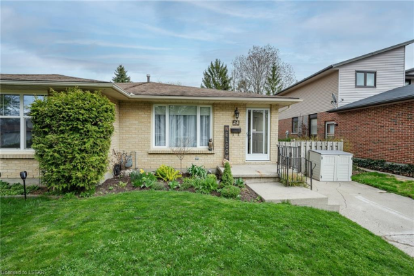 24 RANCHWOOD Crescent, London
