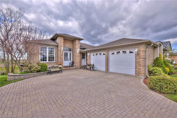 49 OLD COURSE Trail, Welland
