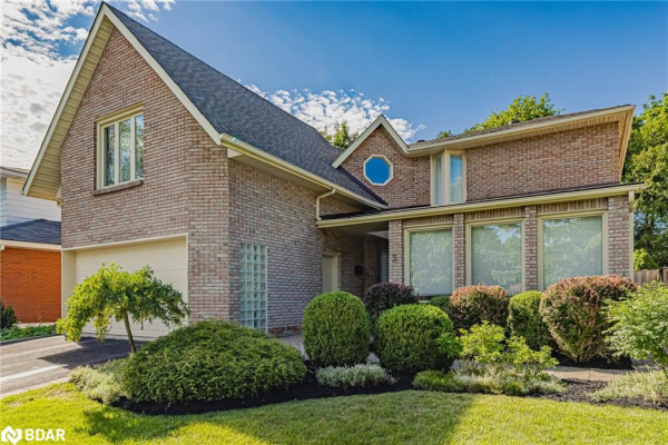 3 WHITE PINE Place, Barrie