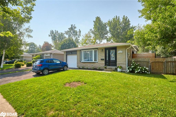 3 COLLEEN Avenue, Barrie