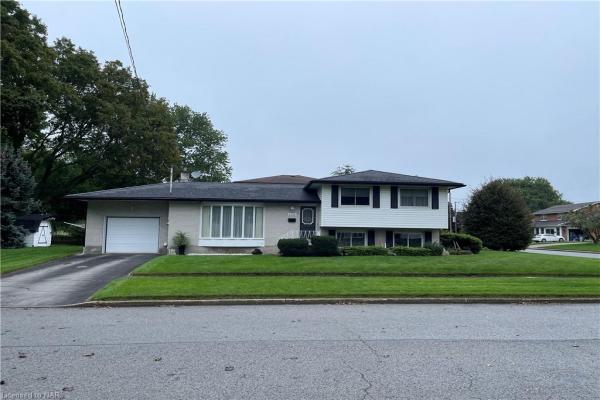 4430 DOVEWOOD Drive, Niagara Falls
