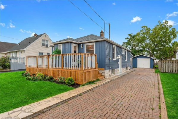 5 ADMIRAL Road, St. Catharines
