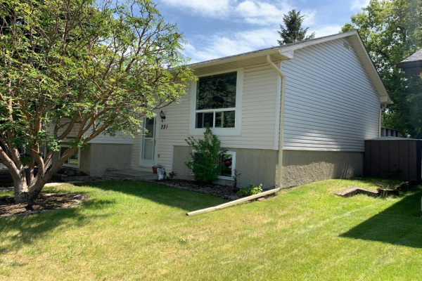 221 MARQUIS  Place SE, Airdrie