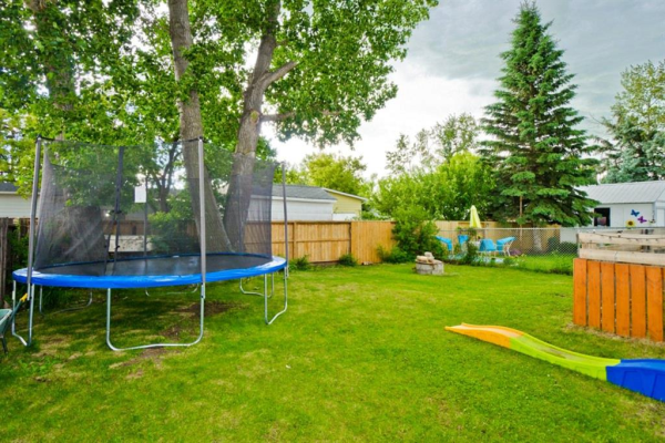829  BRENTWOOD Crescent, Strathmore