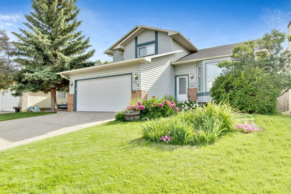 179 WOOD VALLEY Drive SW, Calgary