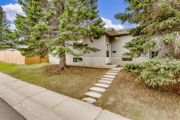5814  Dalgleish Road NW, Calgary
