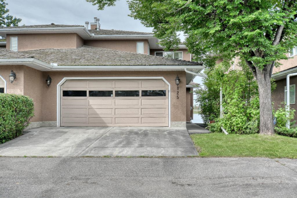 125 East Chestermere Drive, Chestermere