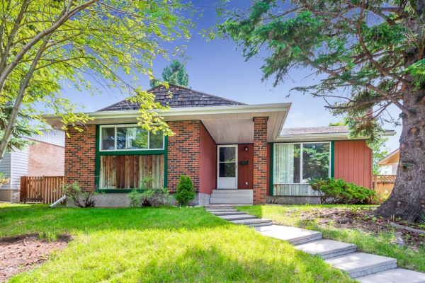 7036 Silverview Road NW, Calgary