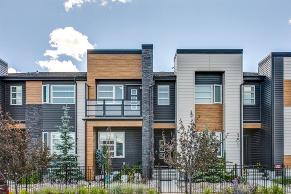 385 MIDTOWN  Gate SW, Airdrie