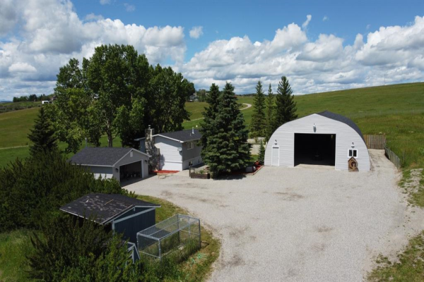 122 Trails End Road, Cochrane
