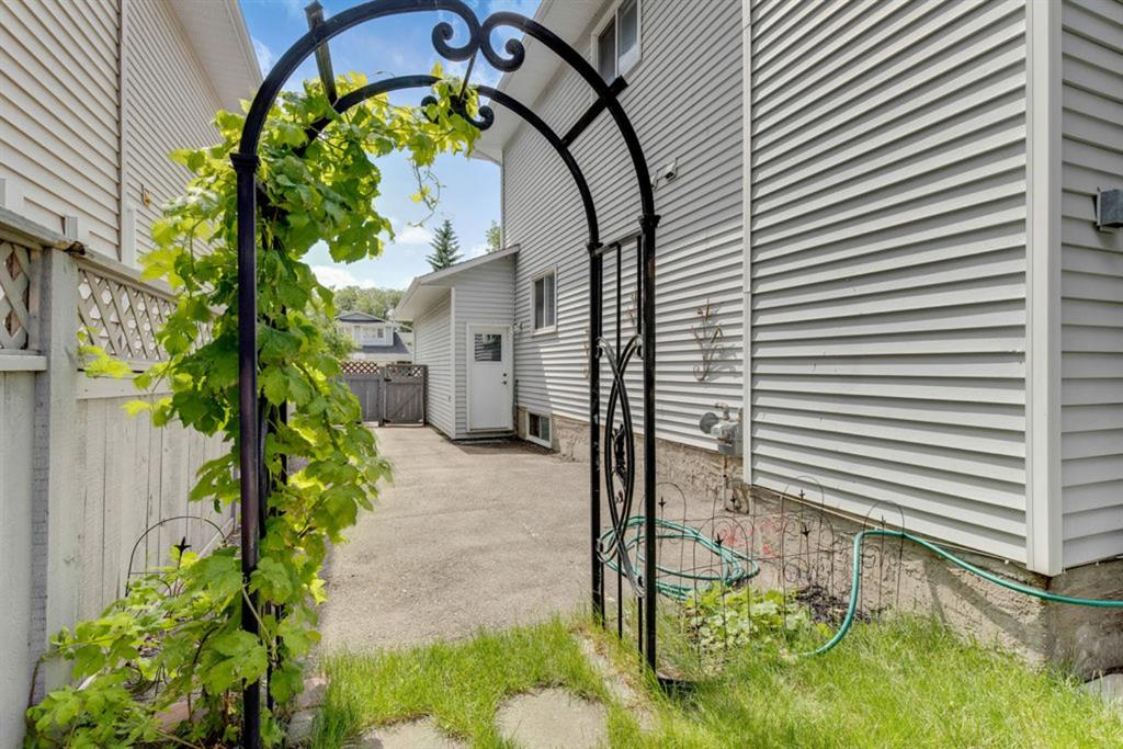 Listing A1016077 - Large Photo # 38