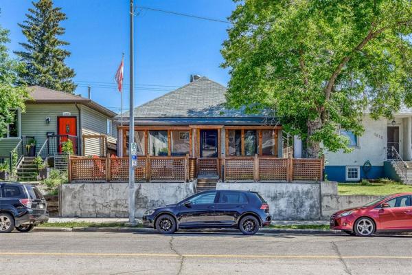 1016 8 Street SE, Calgary